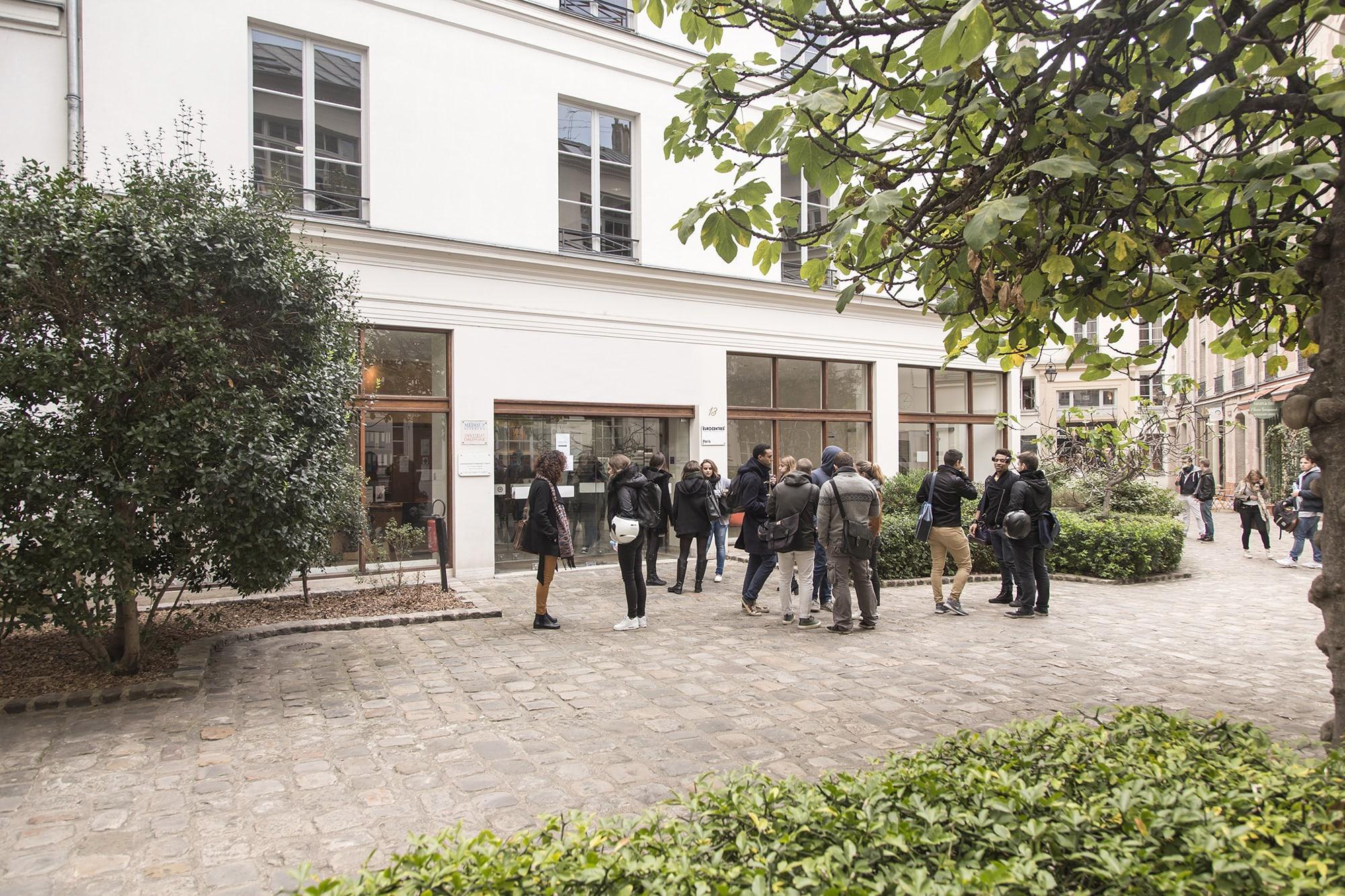 Un institut au coeur de Paris